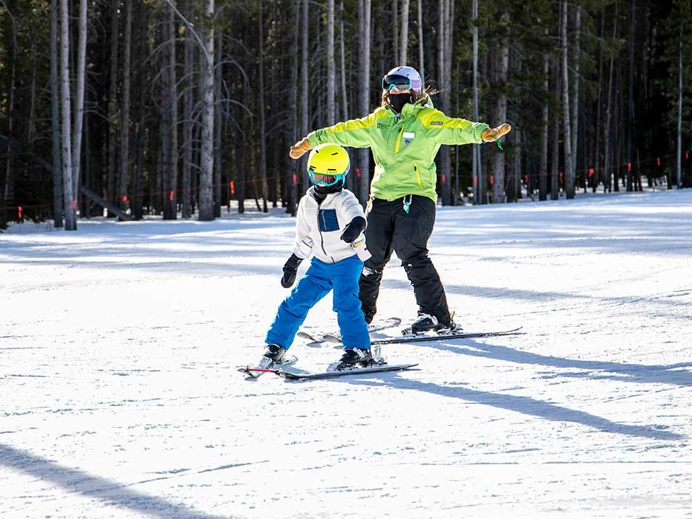 BOEC adaptive ski lesson